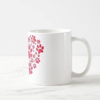 coeur rouge avec des pattes, motif animal de mug blanc