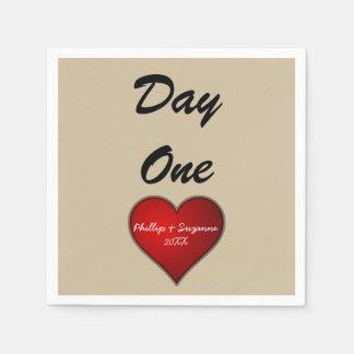 Coeur rouge de mariage doux drôle avec des serviette en papier