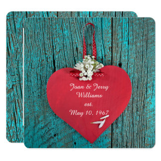 coeur rouge sur le renouvellement en bois de voeu carton d'invitation  13,33 cm