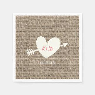 Coeur rustique de mariage et toile de jute serviette jetable