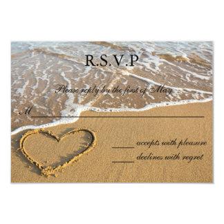 Coeur sur la carte du mariage de plage de rivage carton d'invitation 8,89 cm x 12,70 cm
