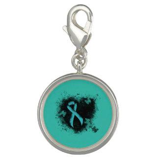 Coeur turquoise de grunge de ruban breloque