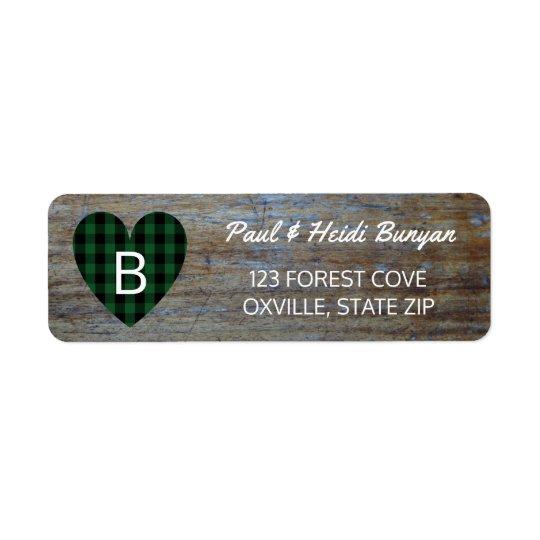 Coeur vert en bois rustique de plaid de étiquette d'adresse retour