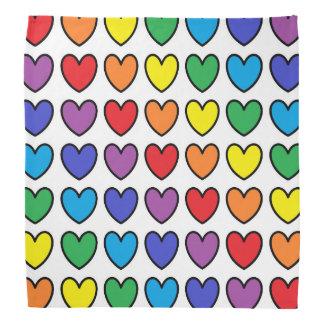 Coeurs d'arc-en-ciel décrits par noir bandana