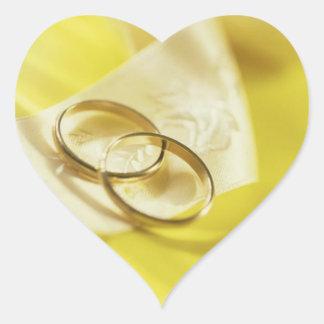 Coeurs de mariage de ruban d'anneaux de mariage sticker cœur