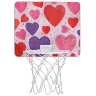 Coeurs de Saint-Valentin en le rose, le pourpre et Mini-panier De Basket