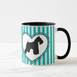 Coeurs de Schnauzers et tasse de café
