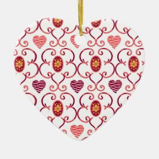 Coeurs et ornement en céramique de treillis