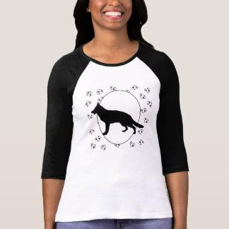 Coeurs et Pawprints de chien de berger allemand T-shirt