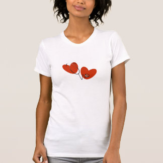 Coeurs et T-shirts et cadeaux de stéthoscope