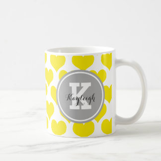 Coeurs jaunes personnalisés mug blanc
