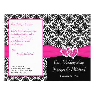 Coeurs roses blancs noirs de damassé épousant le prospectus 21,6 cm x 24,94 cm