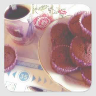 Coffee, chocolate muffins and reflection sticker carré
