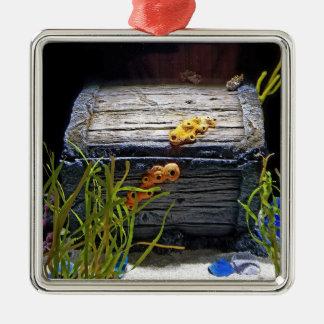 Coffre au trésor sous-marin frais ornement carré argenté