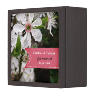Coffrets Cadeaux De Première Qualité Belle boîte blanche d'anneau de mariage de fleur