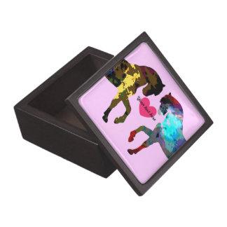 Coffrets Cadeaux De Première Qualité Les chevaux roses ont personnalisé la boîte de