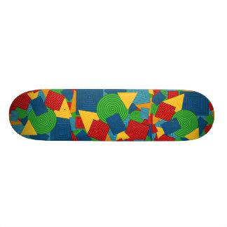 Collage géométrique de formes (couleurs plateaux de skateboards customisés