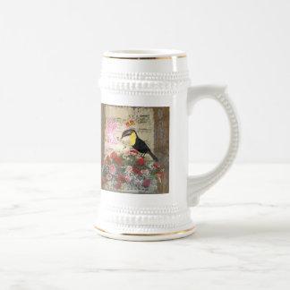 Collage vintage de fée et d'oiseau tasse