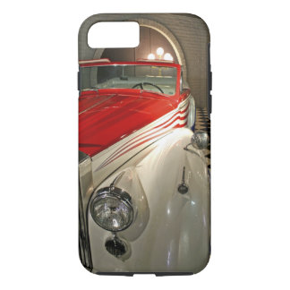 Collection de voiture dans la base de Liberace et Coque iPhone 7