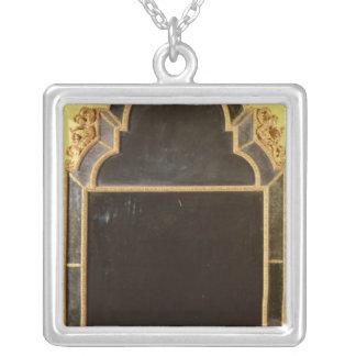Collier 25 : Pierglass de giltwood de la Reine Anne