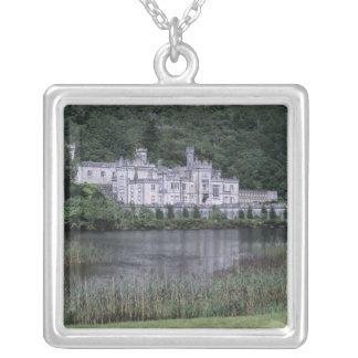 Collier Abbaye de Kylemore, Connemara, comté Galway,