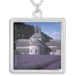 Collier Abbaye de Senanque, Gordes, Vaucluse, Provence, 2