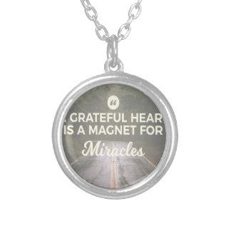 Collier Aimant reconnaissant de miracle de coeur