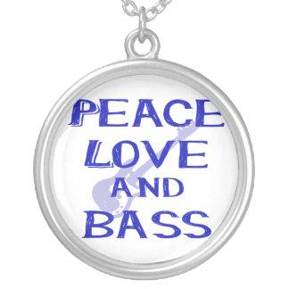 Collier amour de paix et guitare bleue du bernice W de