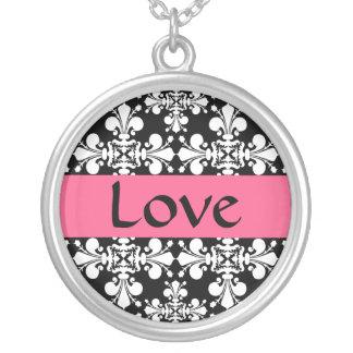 Collier Amour rose élégant
