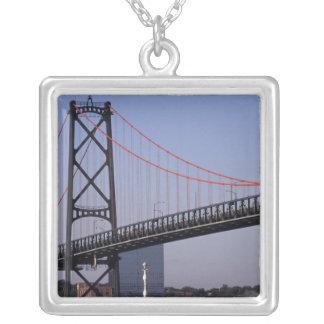Collier Angus L pont de Macdonald, Halifax, nova 2
