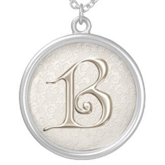 Collier argenté de monogramme - lettre B