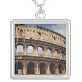 Collier Art. romain. Le Colosseum ou le Flavian 2