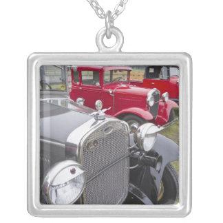 Collier Automobiles antiques de Ford