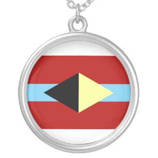 Collier avec le symbole d'AL-BU-KURKY