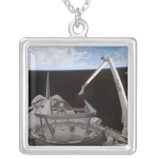 Collier Baie 2 de la charge utile de découverte de navette