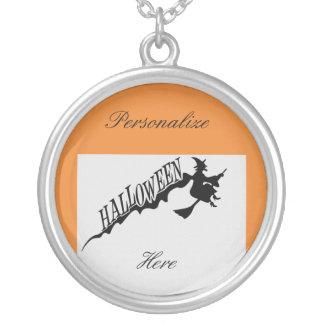 Collier Balai effrayant Halloween Thunder_Cove