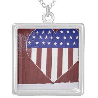 Collier Bannière étoilée en forme de coeur