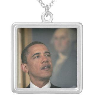 Collier Barack Obama annoncent son intention pour nommer
