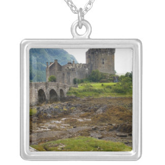 Collier Beau château d'Eileen Donan dans Dornie occidental