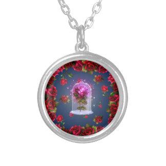 Collier Beauté magique enchantée de rose rouge et la bête