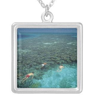Collier Belize, barrière de corail, récif de phare, bleu