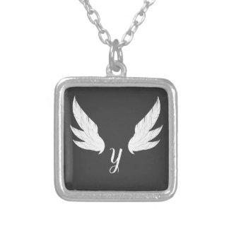 Collier blanc à ailes du monogramme  