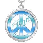 Collier bleu frais de paix