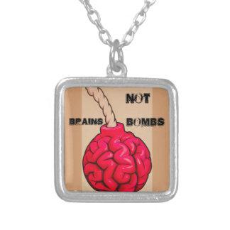 Collier Bombes de cerveaux pas