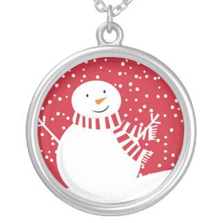 Collier bonhomme de neige rouge et blanc contemporain
