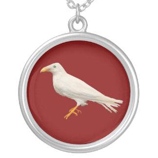 Collier Branwen Raven blanc