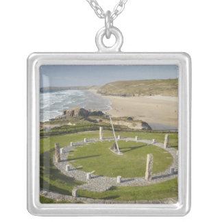 Collier Cadran solaire et plage de Perran, Perranporth,