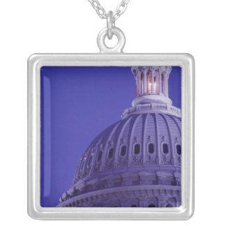 Collier Capitol des États-Unis au crépuscule avec la