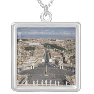 Collier Carré de St Peters, Rome