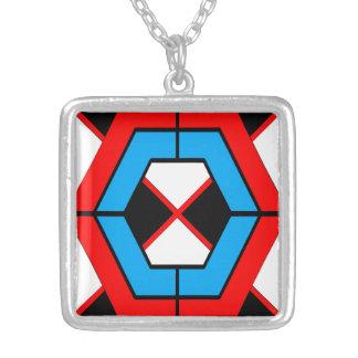 Collier carré géométrique